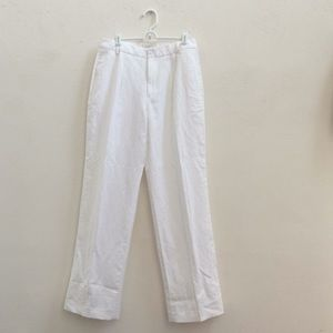J. Crew white pant in size 6.